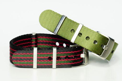 Seatbelts in den Farben Bond und grün